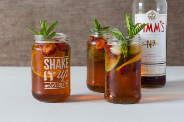 Pimms cocktail summer party